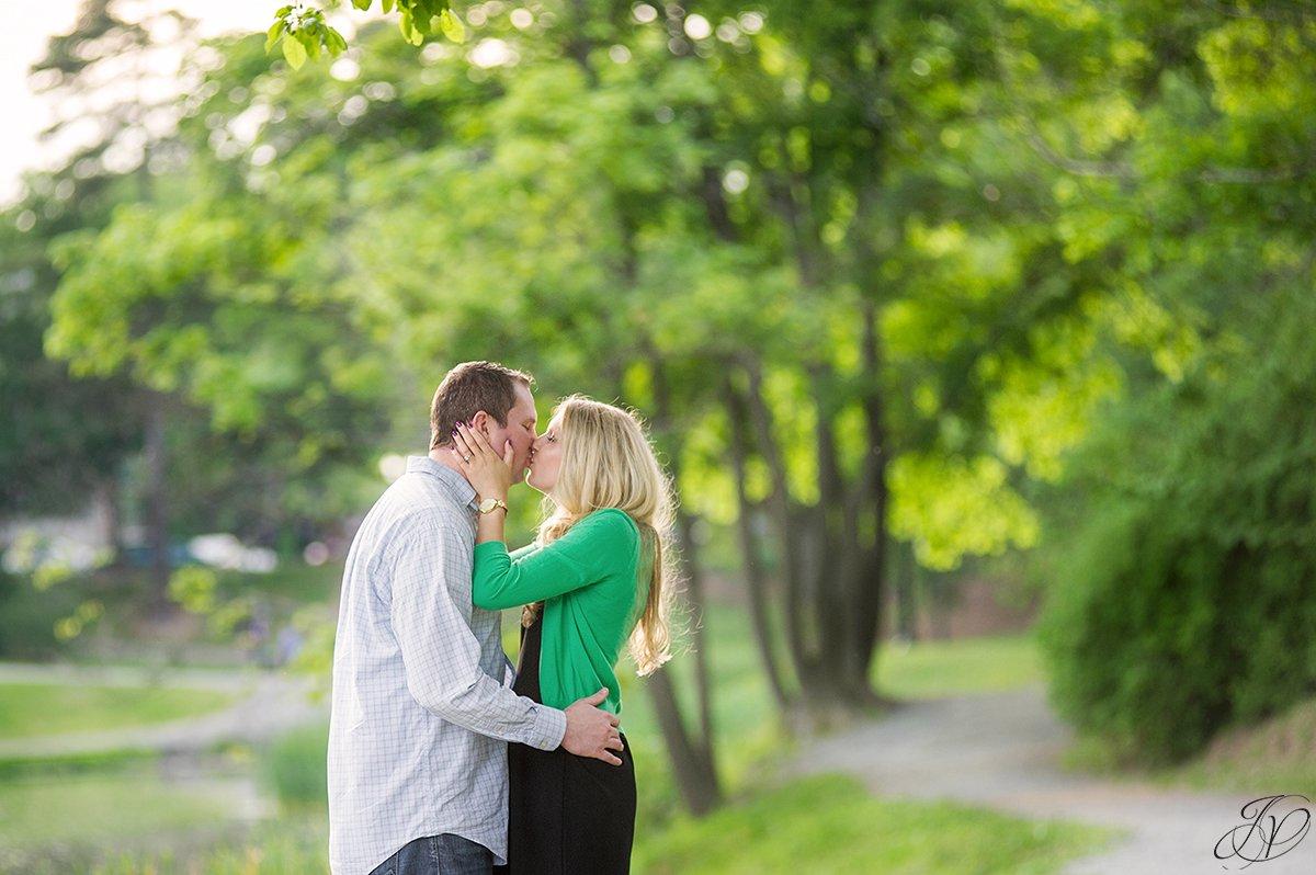 photo of couple kissing in washington park albany ny