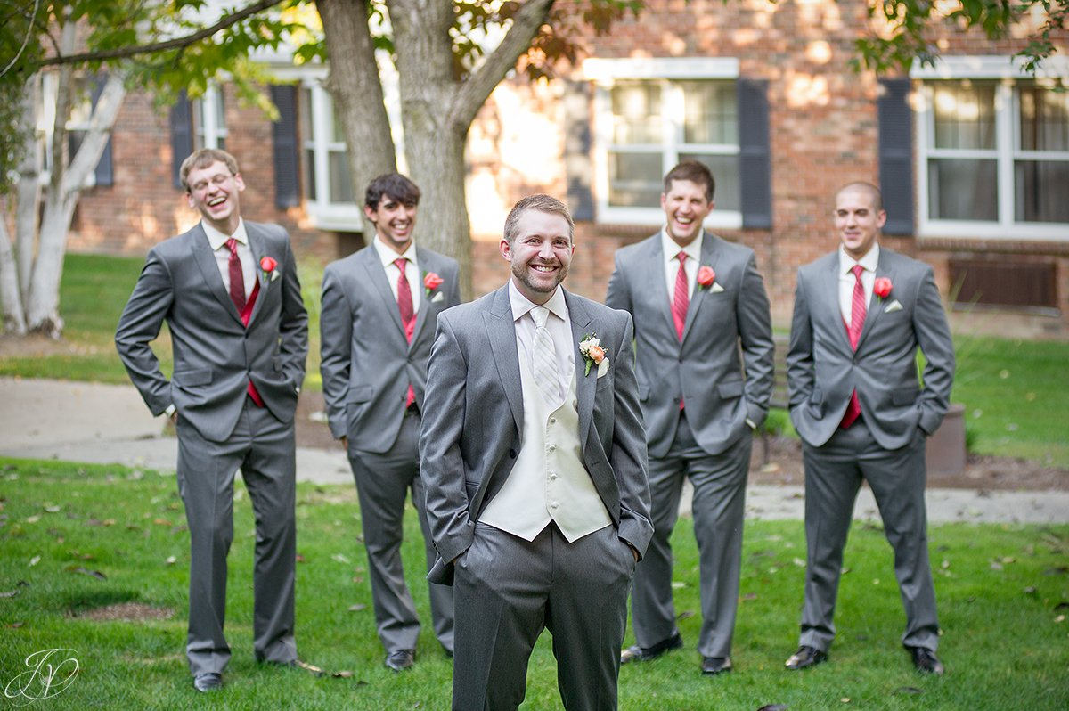 fun photo of groom and his groomsmen