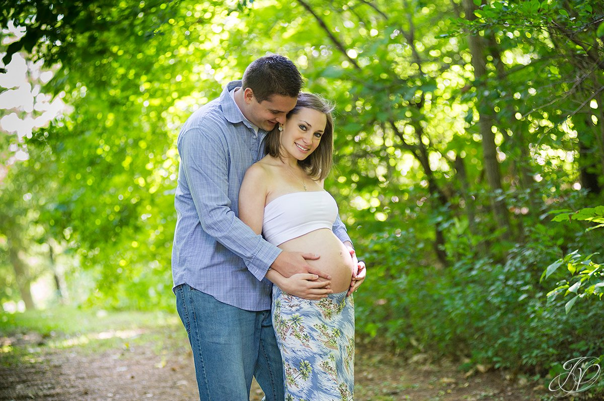 beautiful happy family to be maternity session, albany maternity photography, albany maternity photographer, john boyd thacher state park