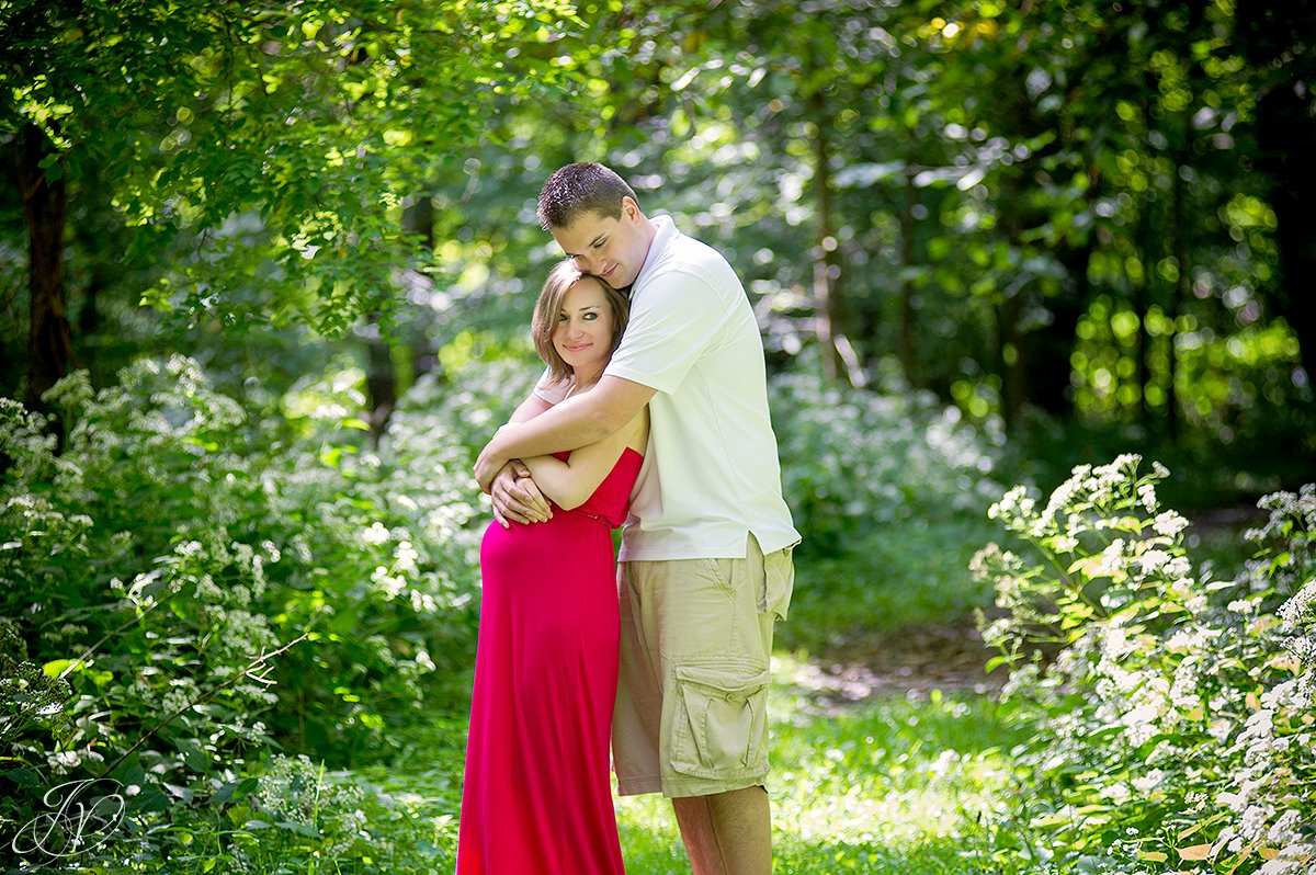 beautiful mother to be maternity photo, albany maternity photography, albany maternity photographer, john boyd thacher state park