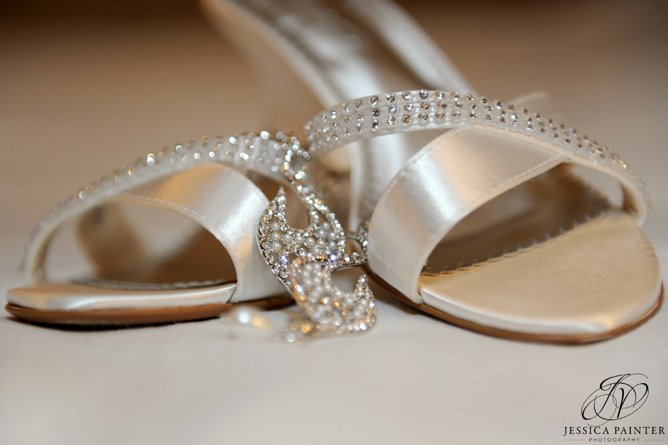albany wedding, schenectady wedding, wedding detail photo, brides shoes, wedding jewelry