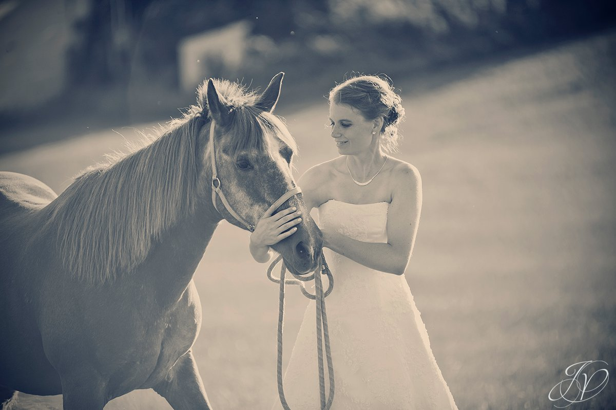 Saratoga Wedding Photographer, upstate wedding photographer, outdoor wedding photo, bride with horse