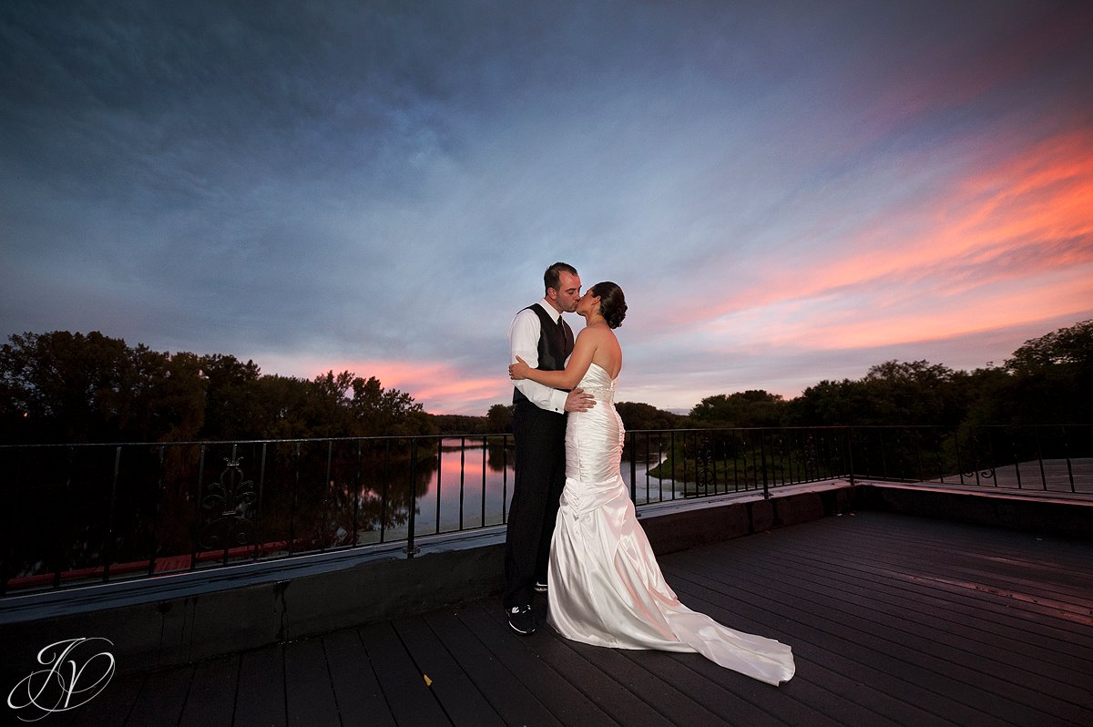 bride and groom with sunset, sunset photo with bride and groom, The Glen Sanders Mansion, Albany Wedding Photographer