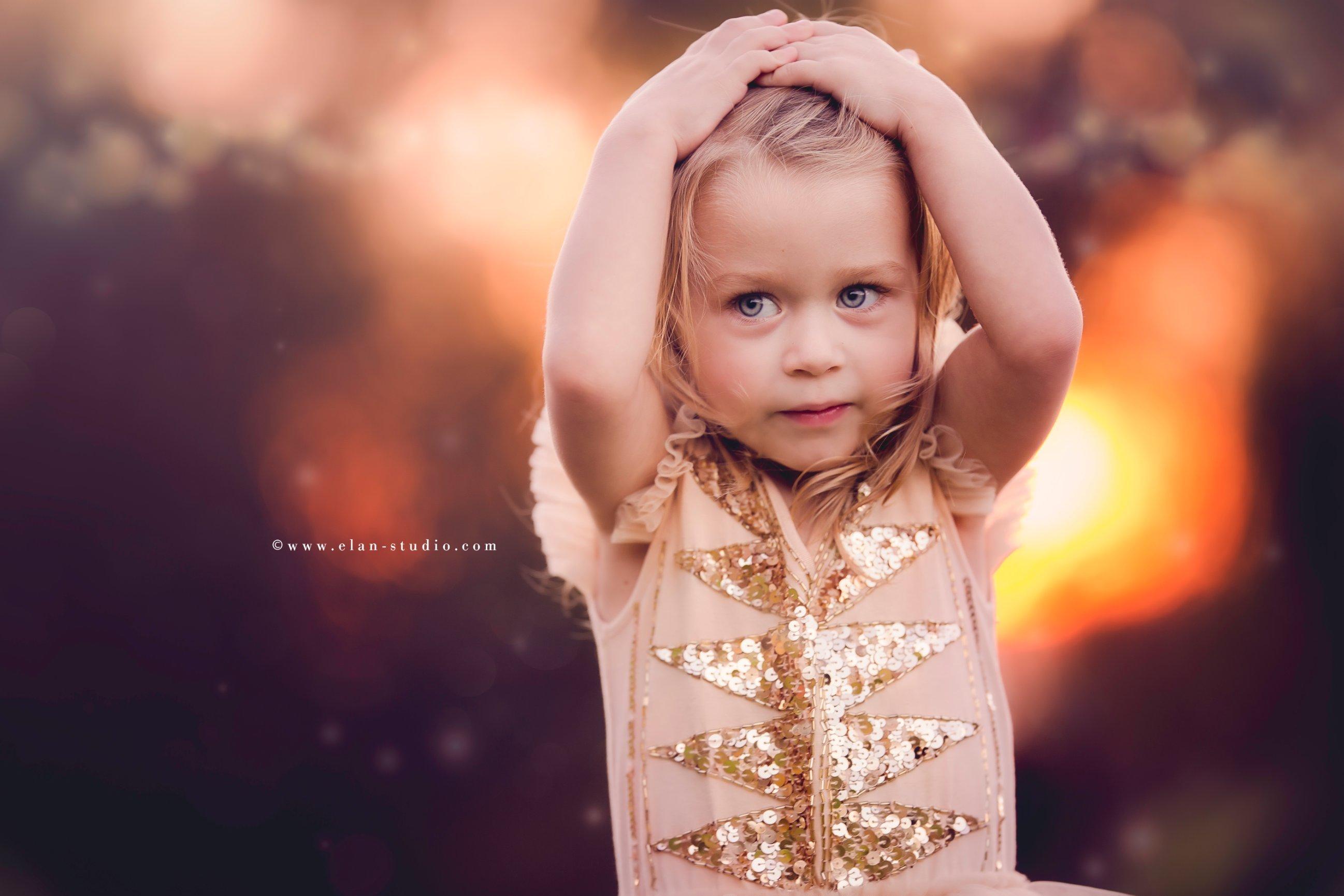 blonde little girl, golden hour photography, bokeh, golden hour bokeh, Elan Studio